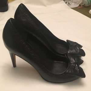 Cole Haan Black Leather Bow Detail Heel Size 8.5B